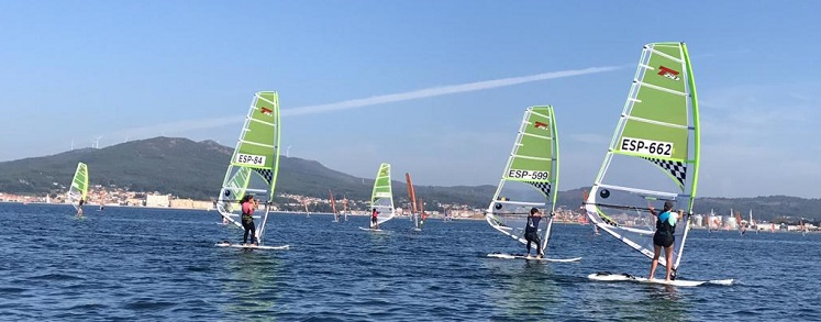 WINDSURF REGATES